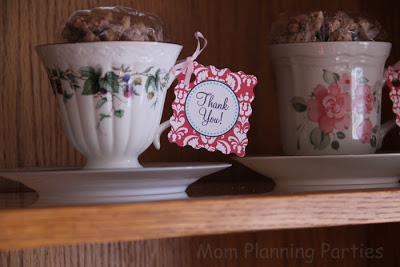tea cup favors filled with candied pecans