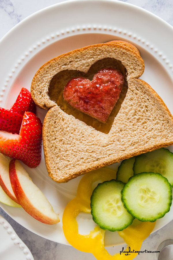 Heart Shaped Sandwiches | 3 Adorably Easy Versions