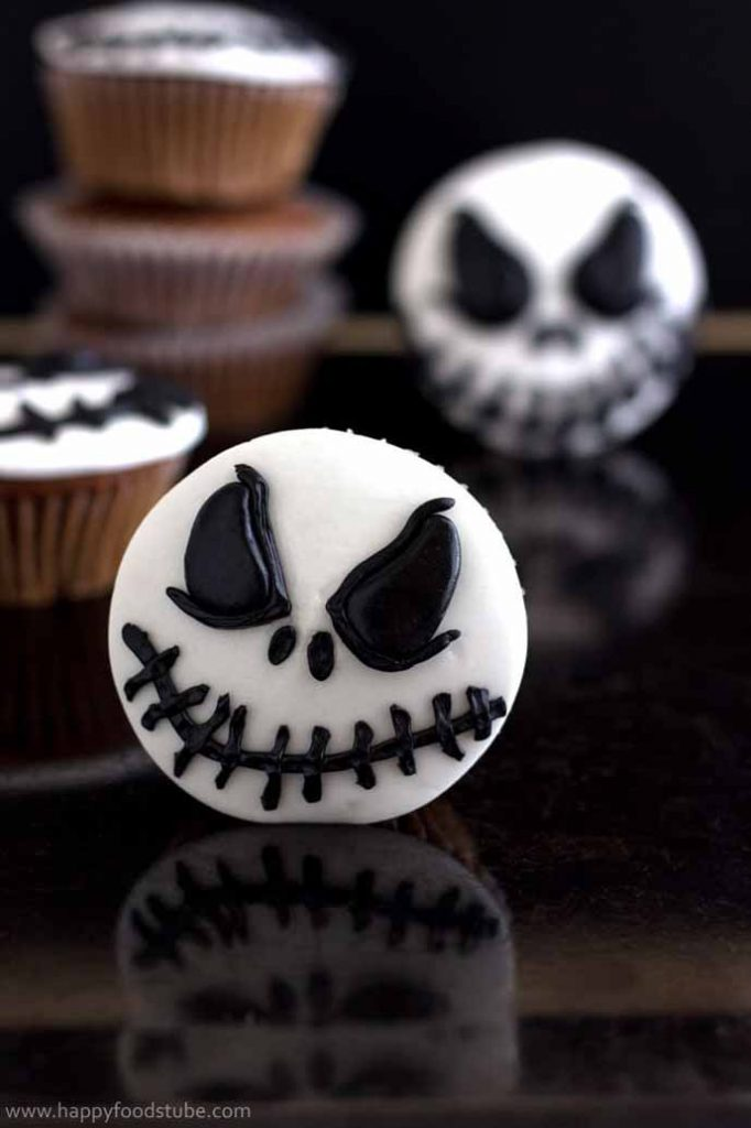 19 Awesome Black And White Halloween Decorations Amp Ideas