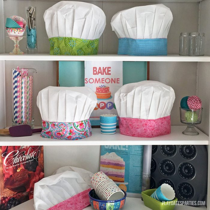 Little chefs will love this DIY craft Kids Chef Hat. It's perfect for a baking party, or as a birthday or holiday gift. Best of all, it can be washed and reused any number of times!