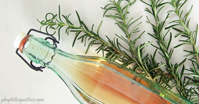 Like to experiment with BOLD flavors in your #cocktail #recipes? Learn how to make rosemary infused vodka for a creative twist. Or give a bottle as a #gift, using the free #printable bottle labels.