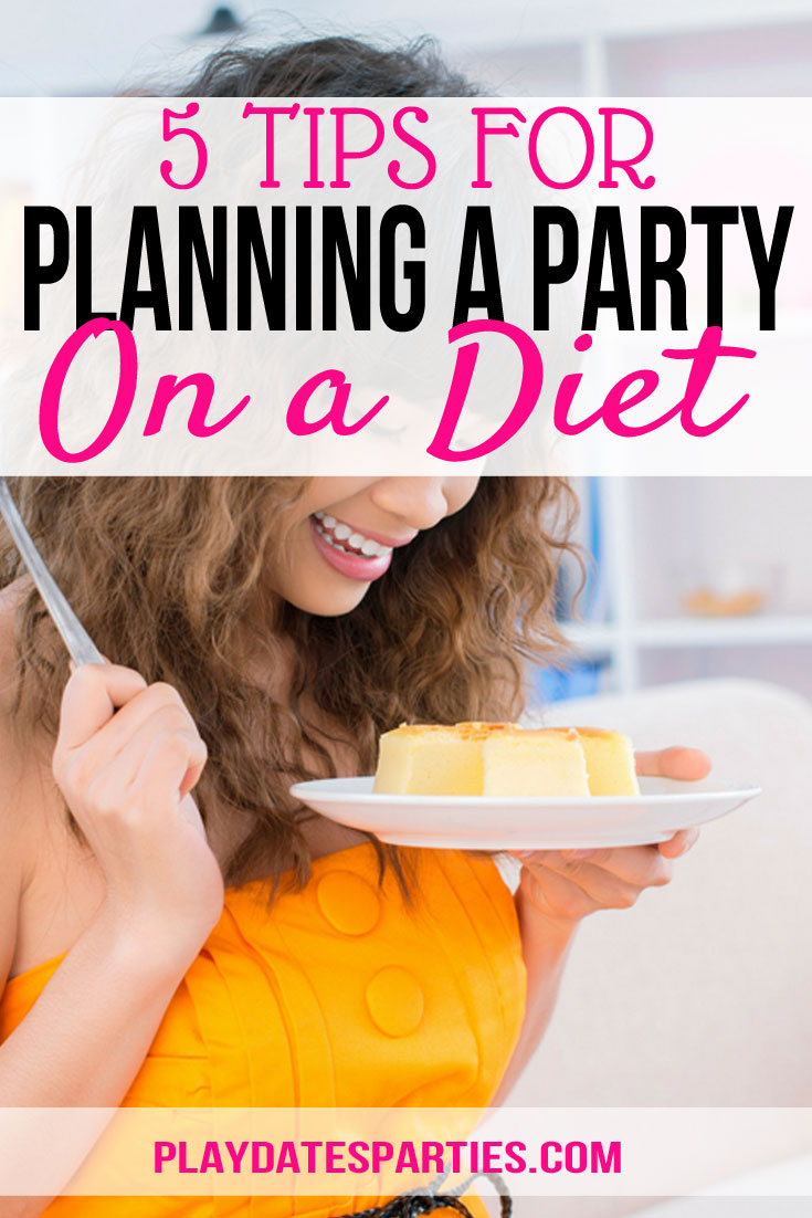 Staying healthy is hard enough day-to-day, but planning a party on a diet is just plain stressful. Here are 5 tips for #party hosts to stay on track and make the best of their #healthy #recipes. #party #diet