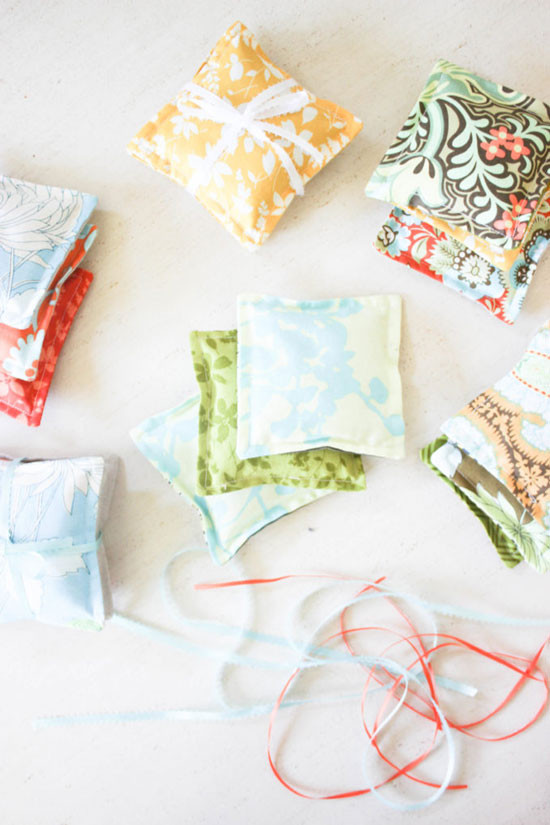 How to Make Colorful Lavender Sachets from Simple Nature Decor.