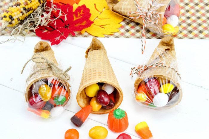 Thanksgiving Sugar Cone Cornucopia Treats for Kids from Confessions of a Mommyaholic.