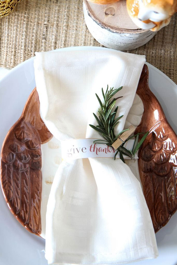 Woodland Inspired Thanksgiving Table Decor
