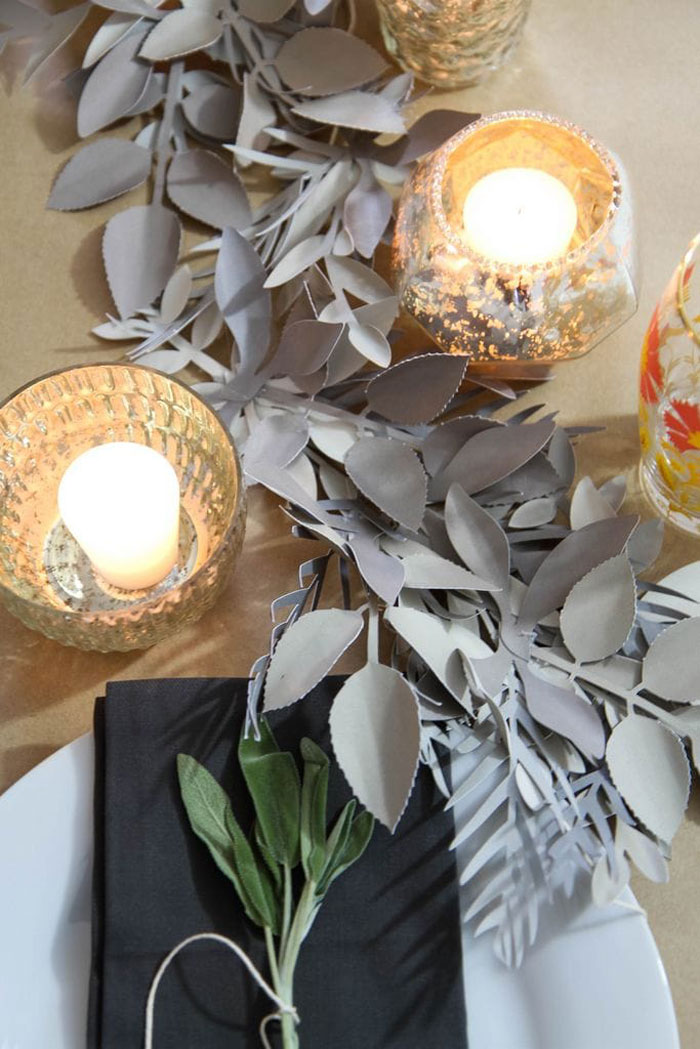 DIY Thanksgiving Leaf Table Runner
