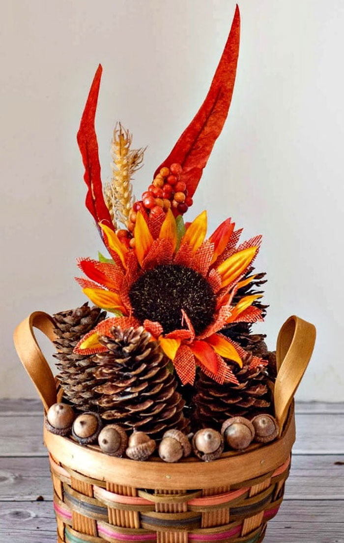 Super Easy Dollar Store Thanksgiving Centerpiece