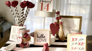 8 Valentine's Day Decorations and Prints