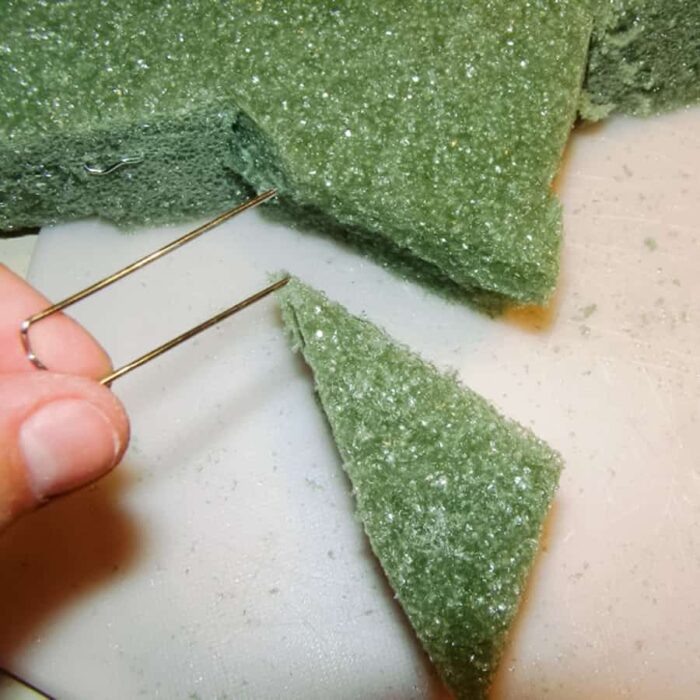 fixing broken floral foam with u-shaped floral pins