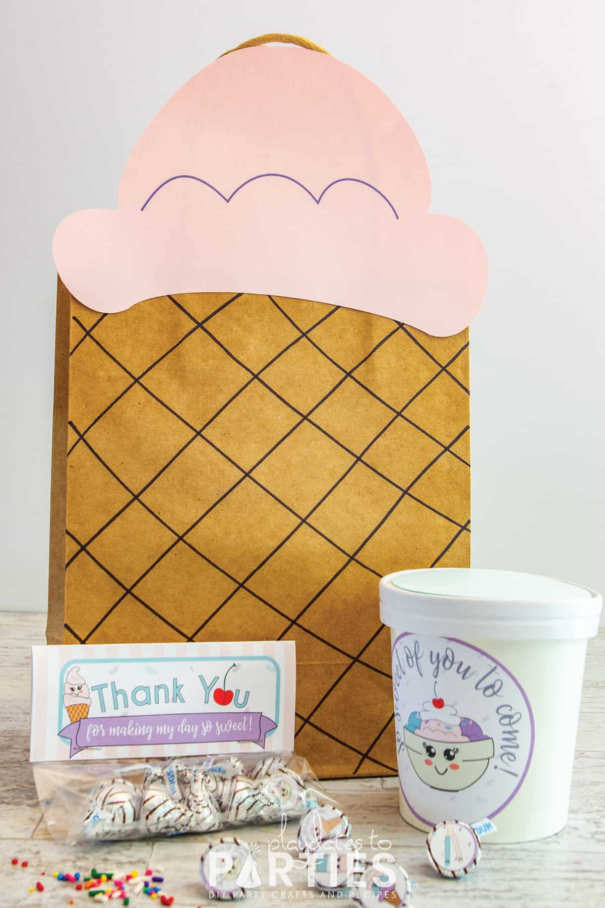 finished ice cream party favor bag with fillers