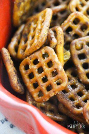 close up image of seasoned apple pie spiced pretzels